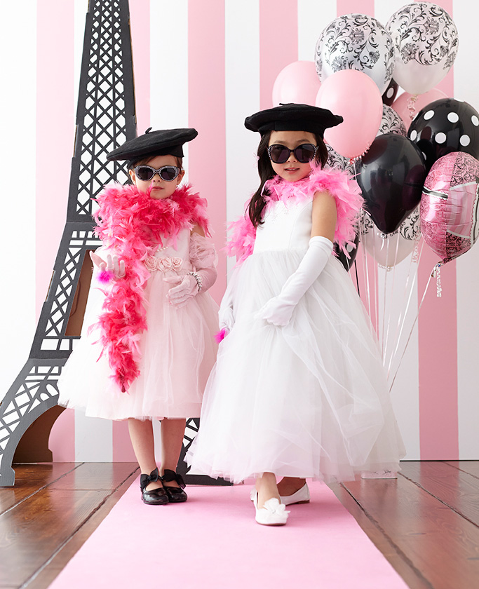 8 Amazing Kids Photo Booth Ideas
